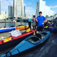 横浜の運河を漕ぐ