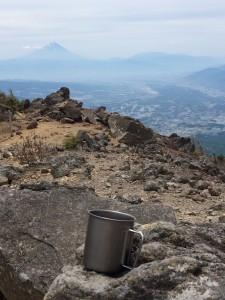 八ヶ岳から富士を望む